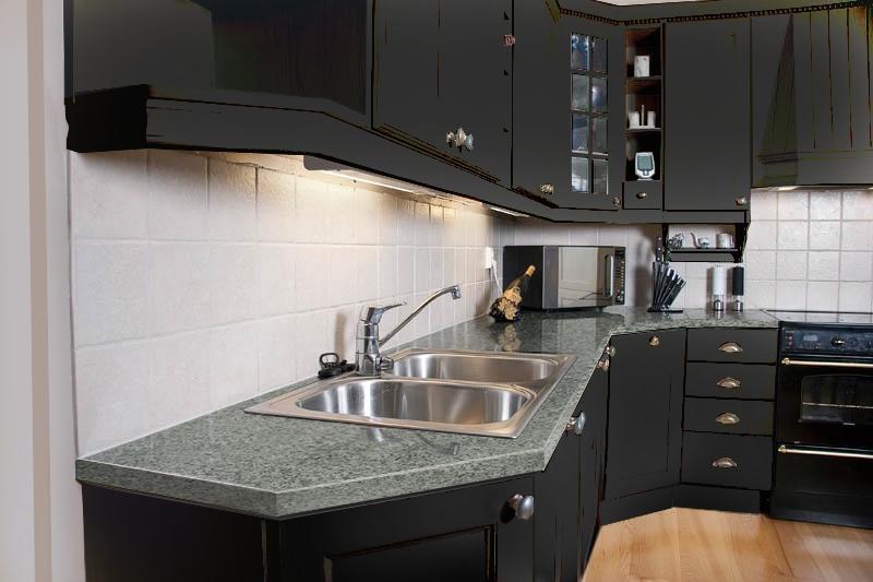 Mørk grått kjøkken